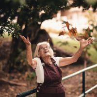 elderly-enjoyment-facial-expression-2050991-1